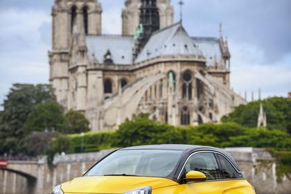 Opel Adam A Aussenansicht Front schräg statisch gelb