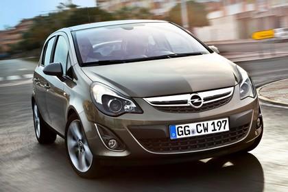 Opel Corsa D 5Türer Aussenansicht Front schräg dynamisch braun