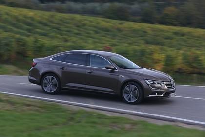 Renault Talisman RFD Aussenansicht Seite schräg dynamisch braun