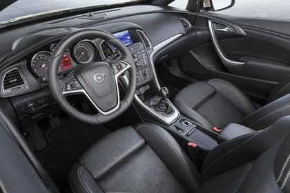 Opel Cascada Innenansicht Fahrerpostion erhöht statisch schwarz