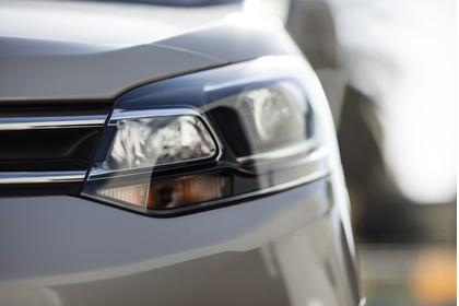 Citroën Spacetourer Aussenansicht Front schräg statisch Detail Scheinwerfer links