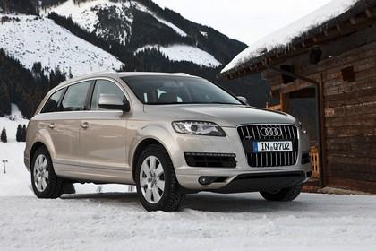 Audi Q7 4L Aussenansicht Front schräg statisch hellbraun