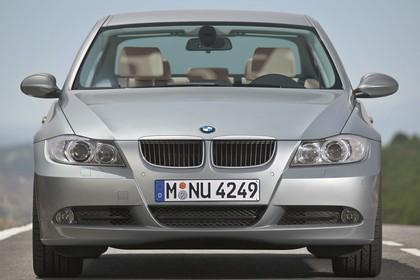 BMW 3er Limousine Aussenansicht Front statisch grau