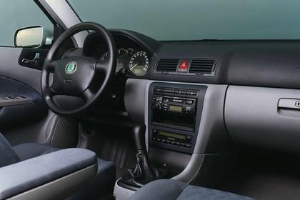 Skoda Octavia Limousine 1U Studio Innenansicht Beifahrerposition statisch grau schwarz