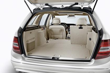 Mercedes-Benz C-Klasse T-Modell S204 MoPf Innenansicht statisch Studio Kofferraum