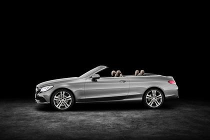 Mercedes-Benz C-Klasse Cabriolet A205 Aussenansicht Seite schräg statisch Studio grau
