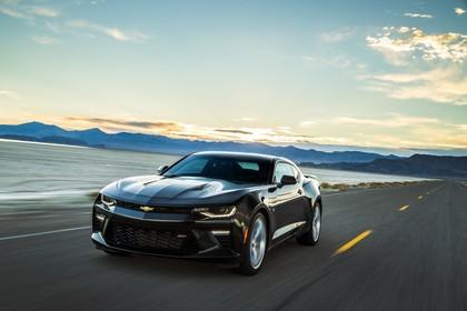 Chevrolet Camaro SS Aussenansicht Front schräg dynamisch schwarz