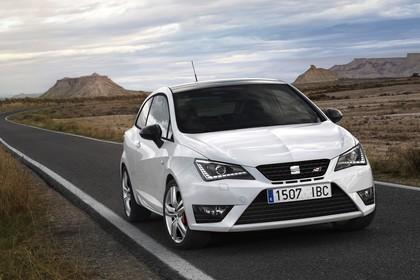 SEAT Ibiza Cupra 6P Front schräg statisch weiss