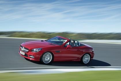 Mercedes SLC R172 Aussenansicht Front schräg dynamisch rot