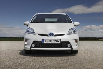 Toyota Prius ZVW30 Facelift Aussenansicht Front statisch weiss