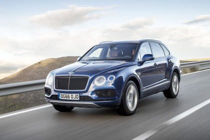 Bentley Bentayga Aussenansicht Front schräg dynamisch blau