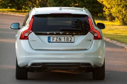 Volvo V60 F Aussenansicht Heck statisch weiss