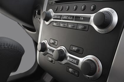 Nissan Murano Z51 Innenansicht Detail Mittelkonsole statisch schwarz