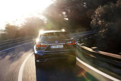 Lexus RX AL2 Aussenansicht Heck schräg dynamisch dunkelblau