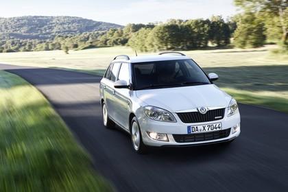 Skoda Fabia 5J Combi Facelift Aussenansicht Front dynamisch weiss