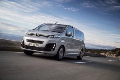 Citroën Spacetourer Aussenansicht Front schräg dynamisch silber