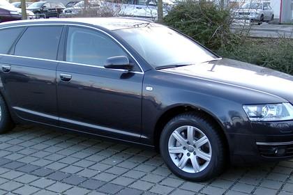 Audi A6 4F Avant Aussenansicht Seite schräg statisch schwarz