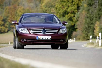 Mercedes CL C216 Aussenansicht Front dynamisch rot