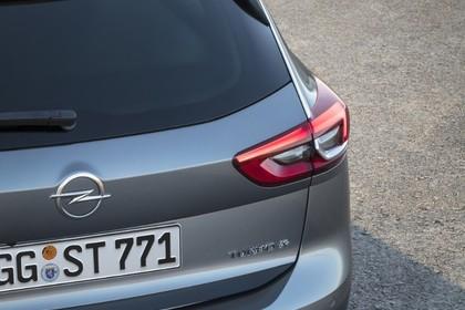Opel Insignia B Sports Tourer Aussenansicht Heck statisch silber