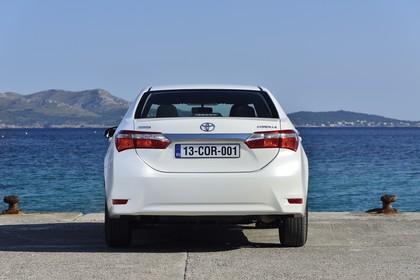 Toyota Corolla E170 Aussenansicht Heck statisch weiß