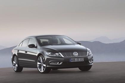 VW CC Aussenansicht Front schräg statisch grau