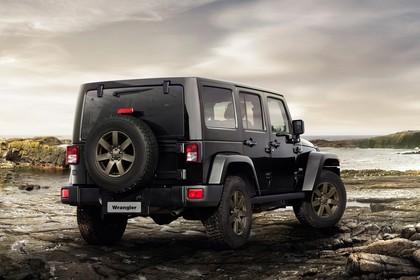 Jeep Wrangler Unlimited JK Aussenansicht Heck schräg statisch schwarz