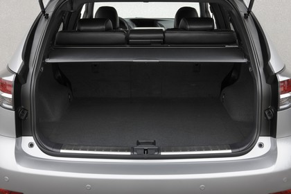 Lexus RX AL2 Innenansicht statisch Studio Kofferraum