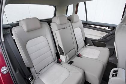 VW Golf Sportsvan Innenansicht Rücksitzbank Studio statisch grau