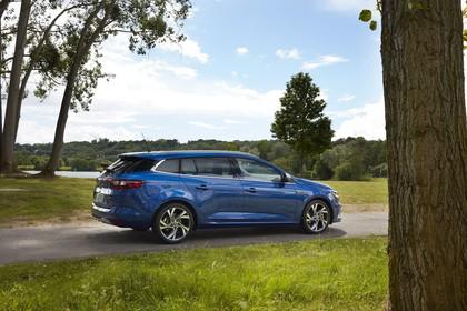 Renault Mégane Grandtour IV Aussenansicht Seite schräg statisch blau