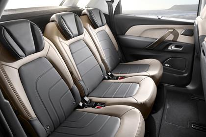 Citroën C4 Picasso 2 Innenansicht statisch Rücksitze beifahrerseitig