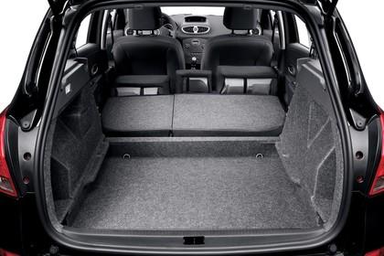 Renault Clio Grandtour R Facelift Innenansicht statisch Studio Koferraum Rücksitze umgeklappt