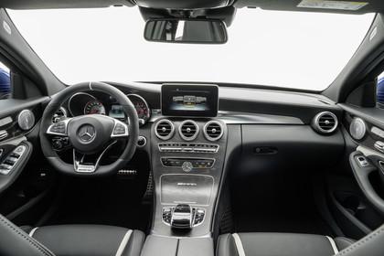 Mercedes AMG C-Klasse W205 Innenansicht zentral Studio statisch schwarz
