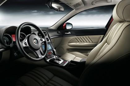 Alfa Romeo 159 Sportswagon Typ 939 Studio Innenansicht Fahrerposition statisch schwarz beige