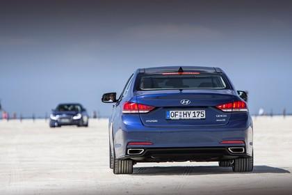 Hyundai Genesis DH Aussenansicht Heck statisch blau
