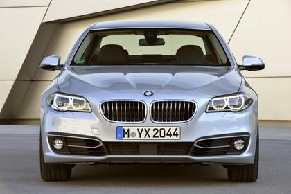 BMW 5er Limousine F10 Aussenansicht Front statisch silber
