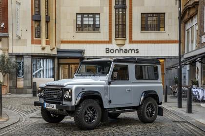 Land Rover Defender Dreitürer Aussenansicht Front schräg statisch grau