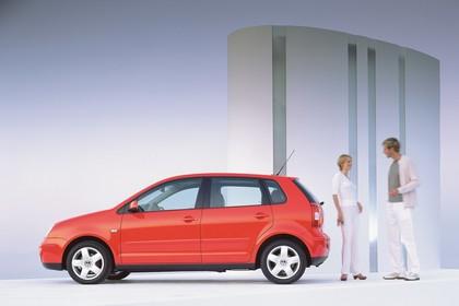VW Polo 9N Fünftürer Aussenansicht Seite statisch rot