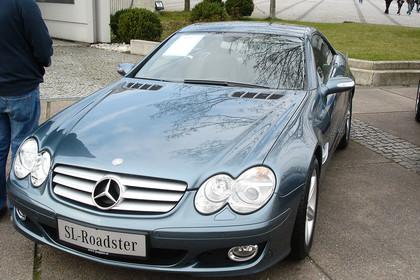 Mercedes SL R230 Aussenansicht Front schräg statisch grau