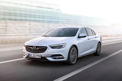 Opel Insignia B Grand Sport Aussenansicht Front schräg dynamisch weiss