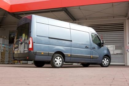Opel Movano Kastenwagen Aussenansicht Seite schräg statisch blau