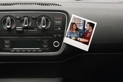 Skoda Citigo AA Innenansicht Mittelkonsole Klimaanlage und Radio