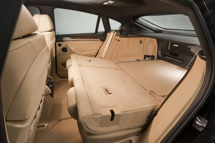 BMW X6 E71 LCI Innenansicht statisch Studio Kofferraum Rücksitze umgeklappt