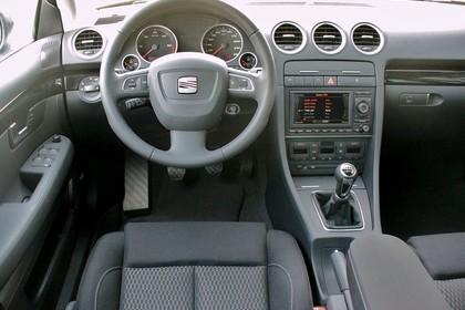 SEAT Exeo ST 3R Innenansicht statisch Vordersitze und Armaturenbrett fahrerseitig
