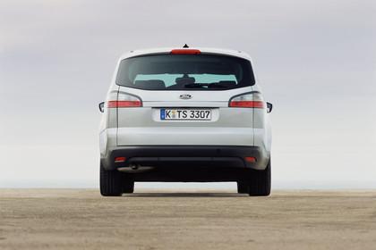 Ford S-Max I Aussenansicht Heck statisch silber