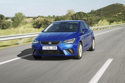 SEAT Ibiza Aussenansicht Front schräg dynamisch blau